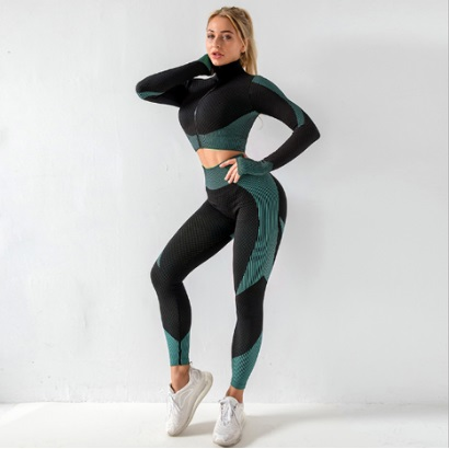 long-sleeve-green-and-black-active-wear-set-for-women-manufacturer